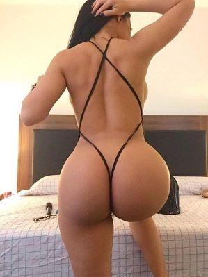 Femme arabe sexy nue
